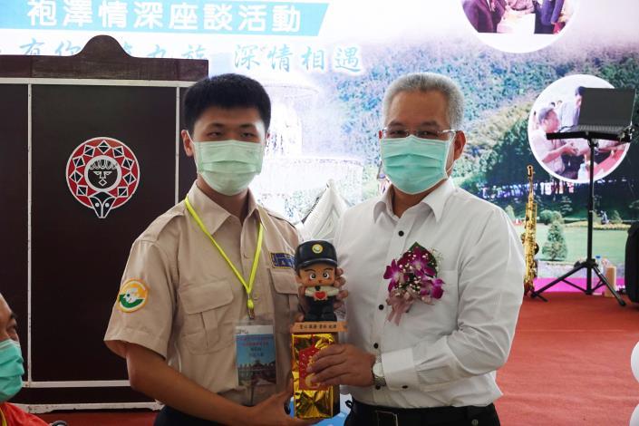內政部主任秘書陳茂春勉勵提供生活協助役男