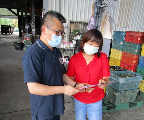 圖3、移民署南區事務大隊嘉義縣專勤隊至竹崎鄉農業產銷班宣導照片。
