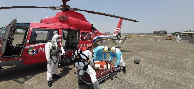 1100420高雄港錨泊地散裝貨輪「寧美輪」昏迷傷患後送案