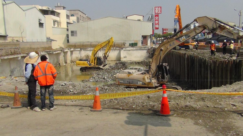 臺南市維冠大樓地面影像