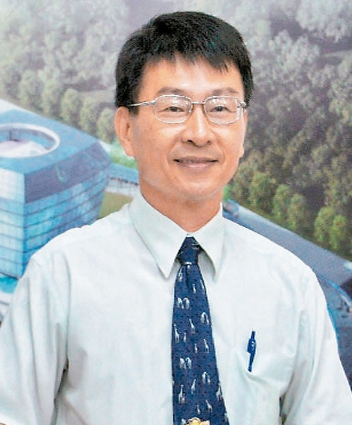 代理主任鄭彩堂先生