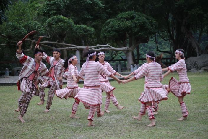峽谷樂舞團