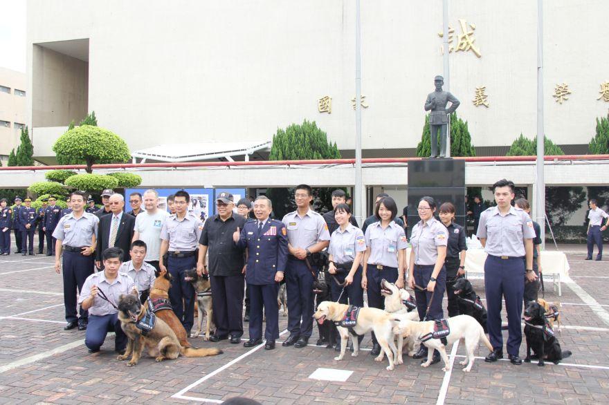 警大警犬研究社第1次成果發表,展現訓練成果。