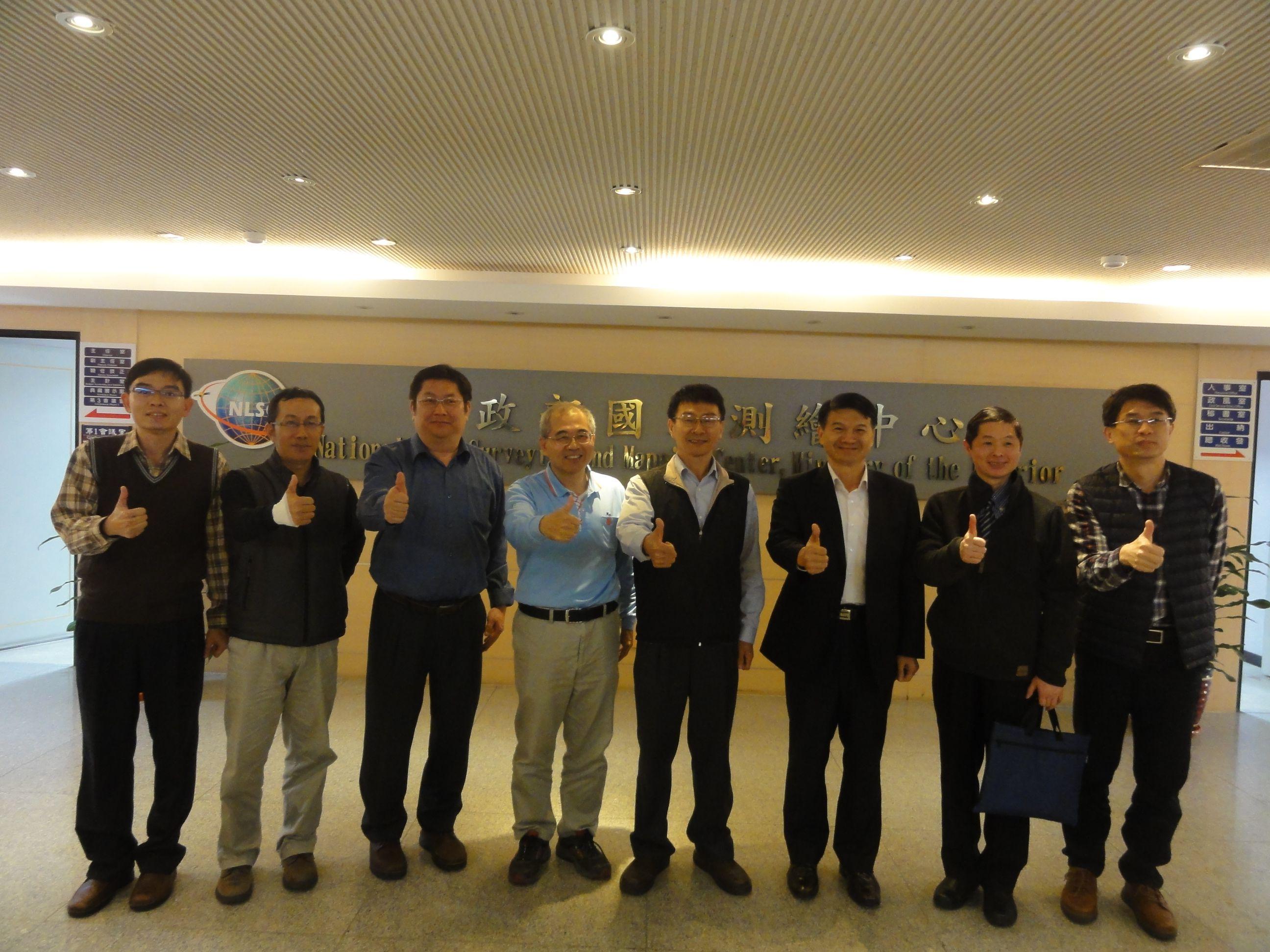 本中心人員與參訪來賓大合照