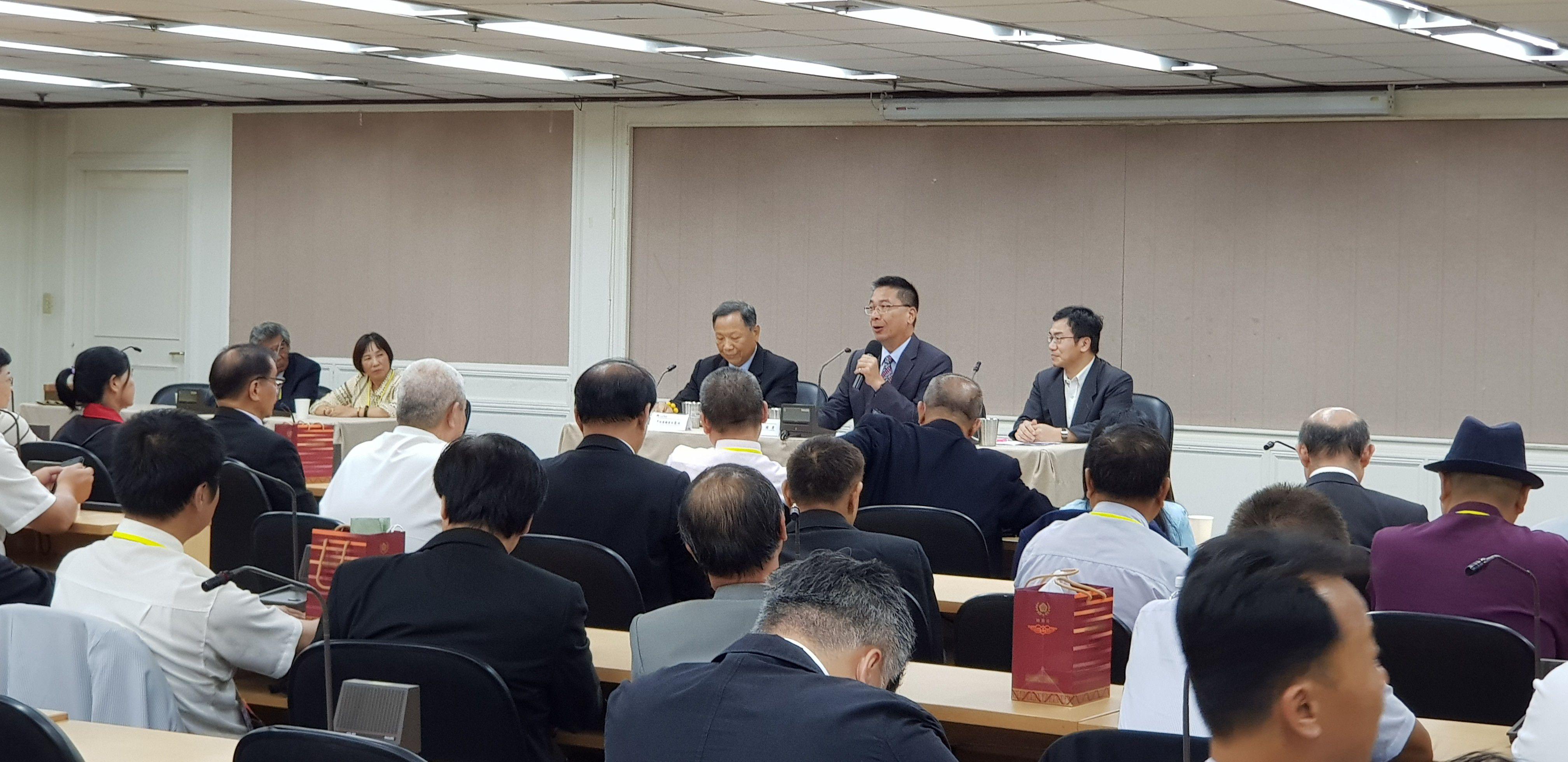 徐國勇部長致詞歡迎社團法人台灣道教門派聯合總會來訪