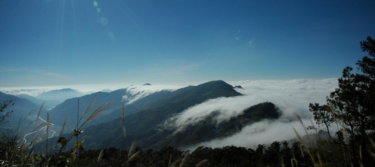 雪見八景之司馬限山雲瀑