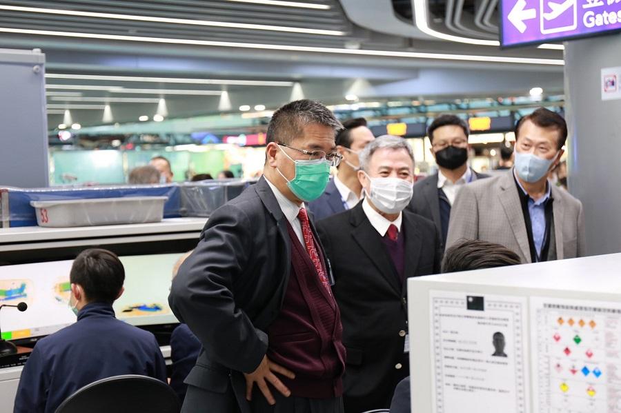 徐國勇部長於桃園機場出境安檢處巡視
