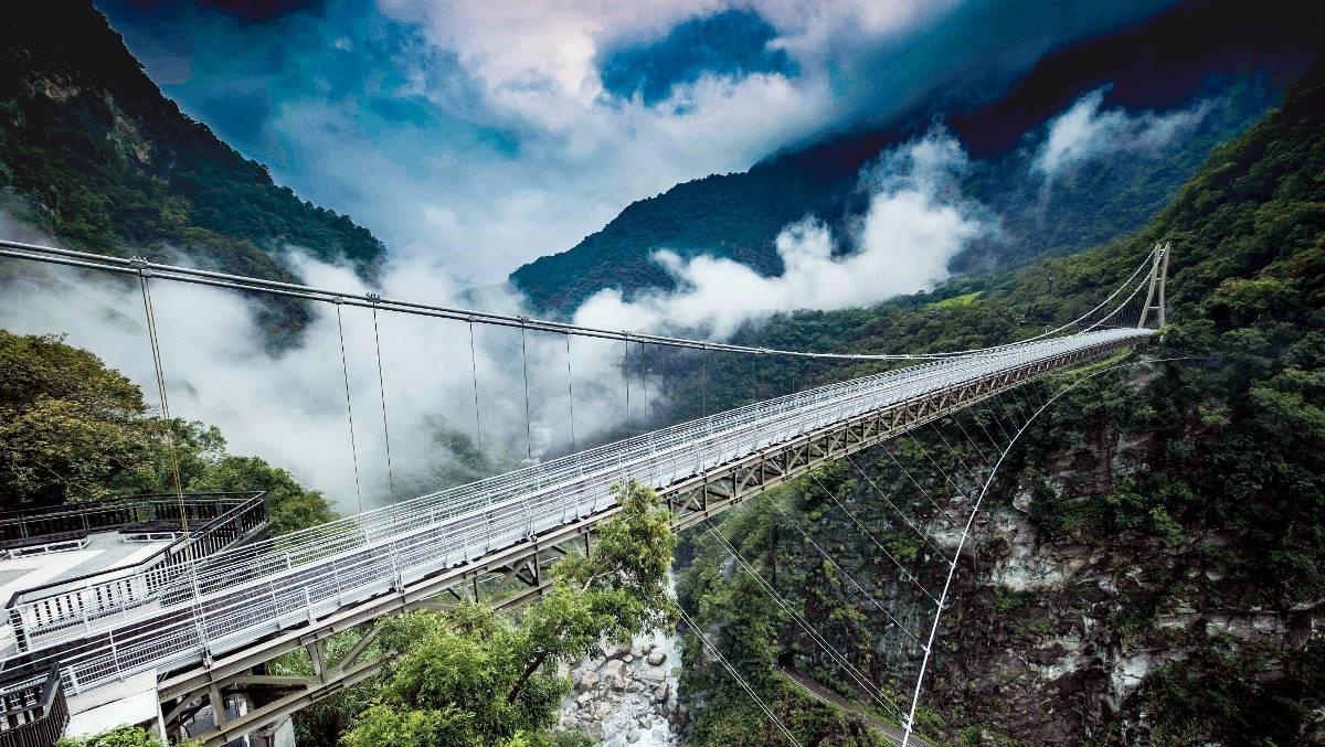 山月吊橋工程