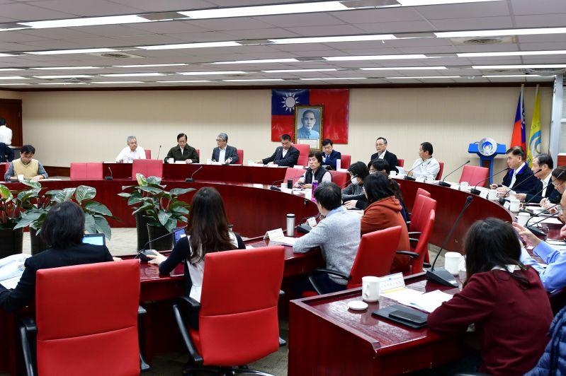 內政部已成立疫情應變小組,密集由部長徐國勇主持相關應變會議