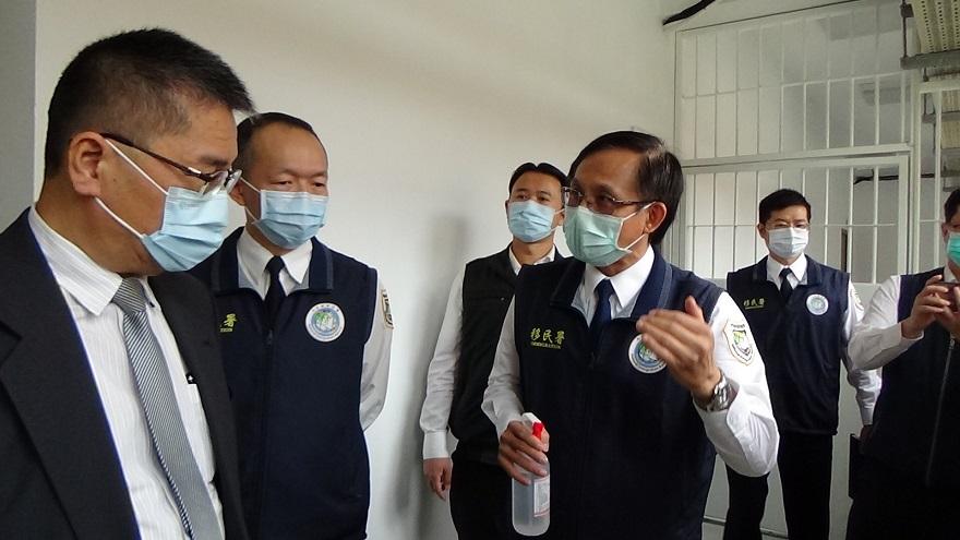 內政部部長瞭解移民署高雄收容所防疫措施3