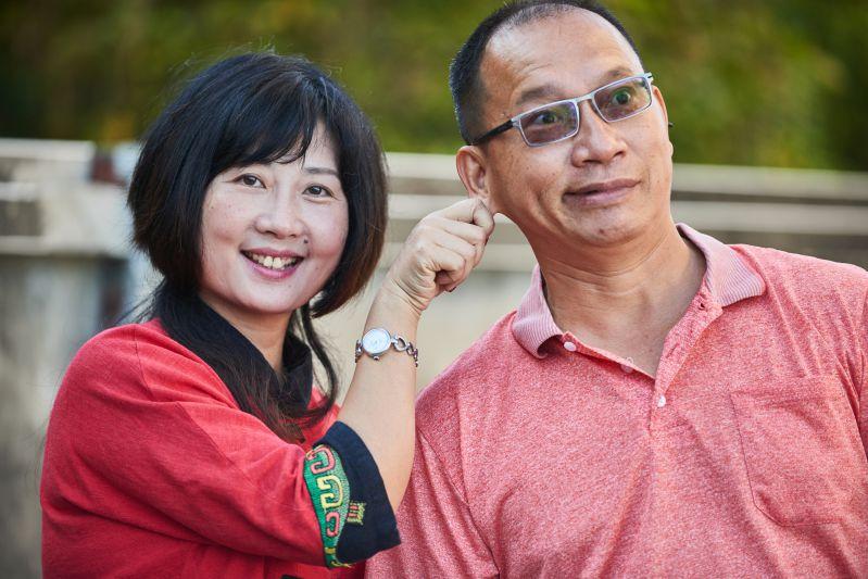 施珊與丈夫吳建權甜蜜合照