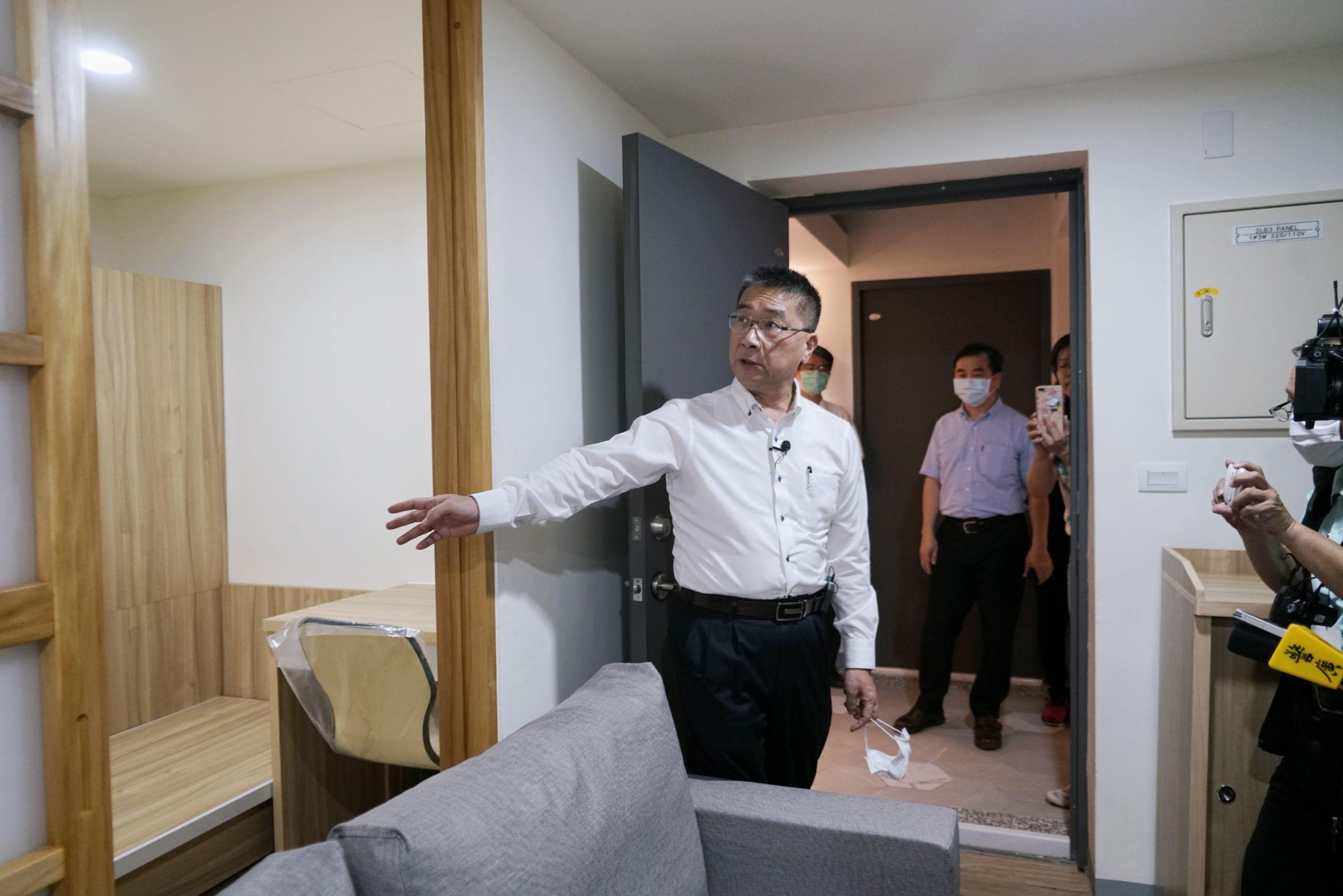 內政部長徐國勇到高雄市大同社會住宅視察