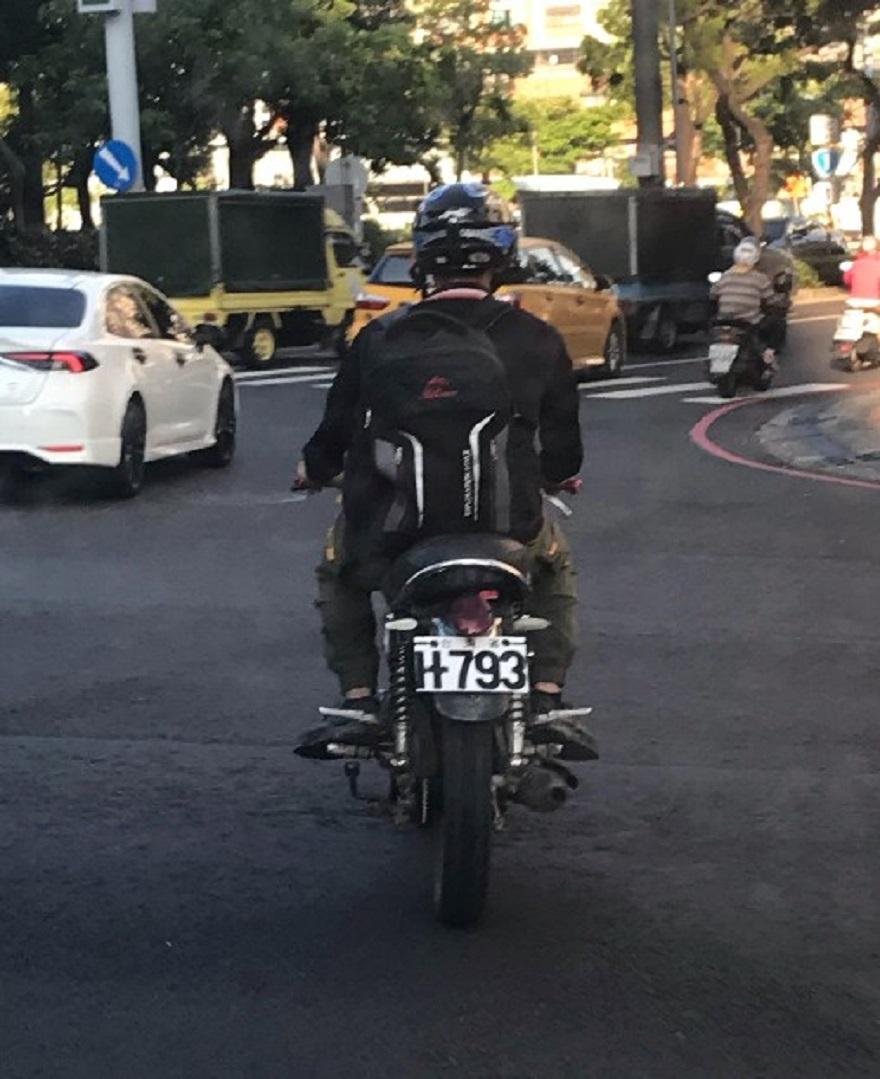 失聯移工重機騎士遭查獲當日騎車上路畫面