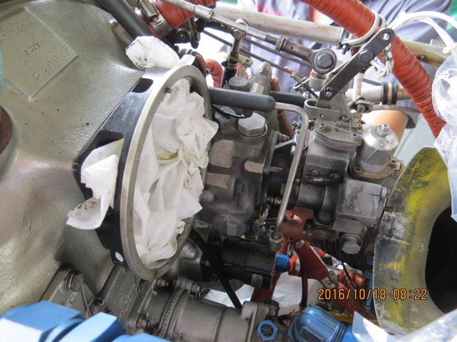 更換左發動機燃油泵 (共十二張)