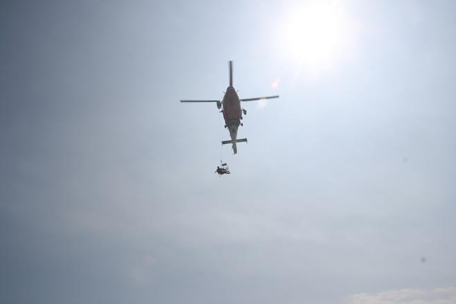 參與演練的AS-365海豚直升機.jpg