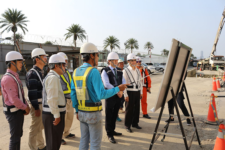 Deputy Minister of the Interior surveyed the construction of Kaohsiung Helicopter Maintenance Hangar