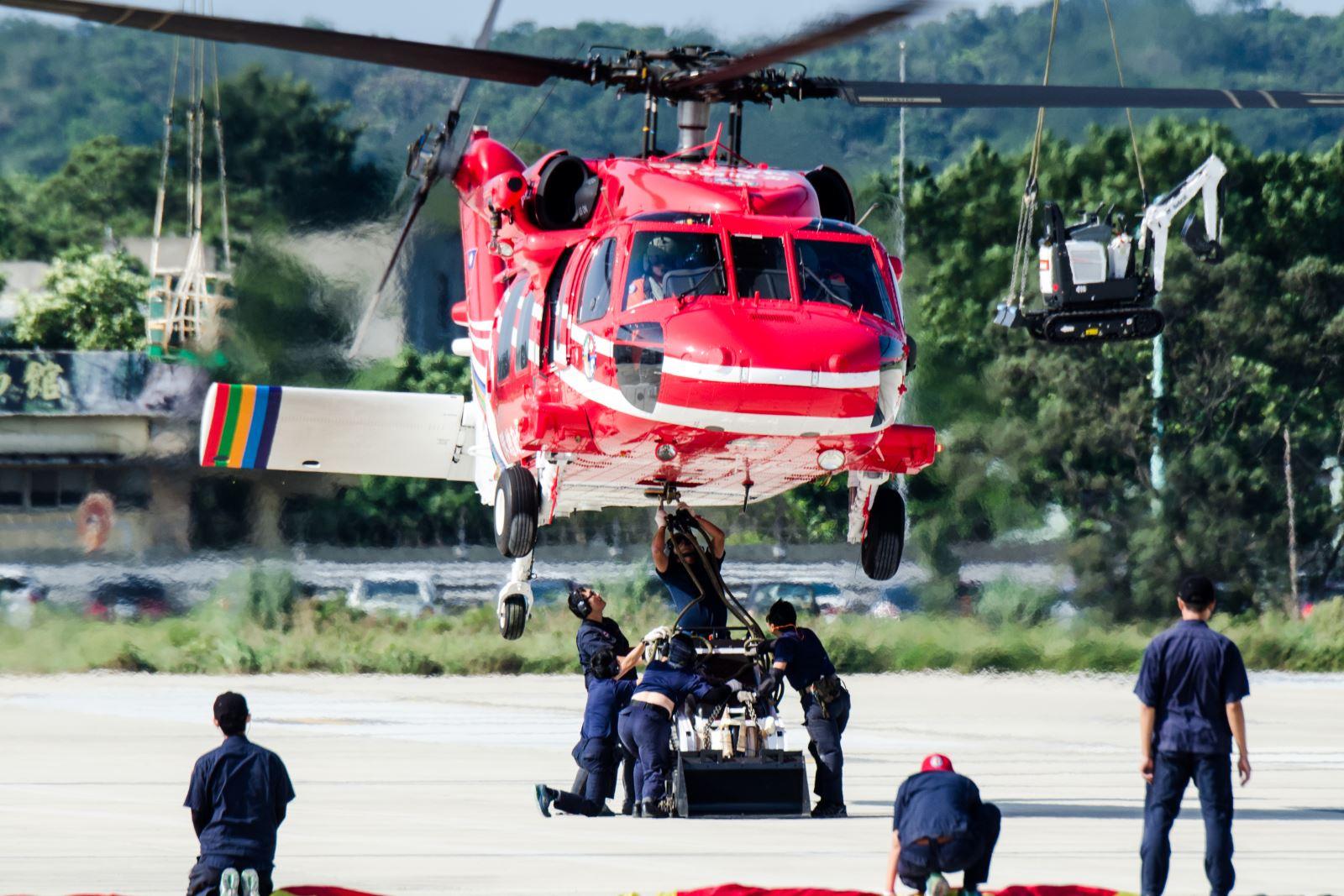 內政部空中勤務總隊派遣AS-365海豚直升機