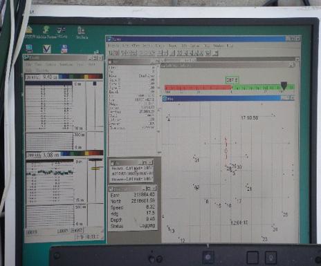 螢幕顯示船隻航行軌跡畫面
