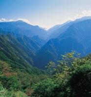 タロコ国立公園は総面積の半分が2000mを超す山岳地域で、そのうち六分の一が3000m以上の高山が占めています。
