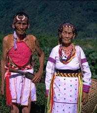 ロコ族は300年前に西側から中央山脈を越えて東側の太魯閣の山中に移ってきました。