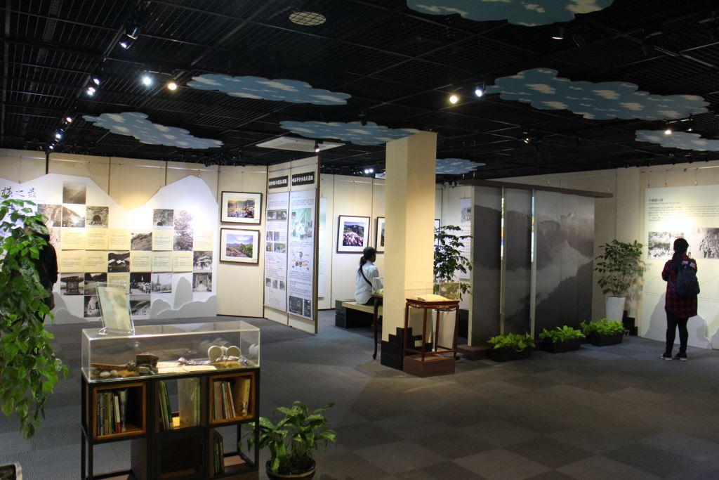 中橫時光隧道檔案展覽(.jpg)