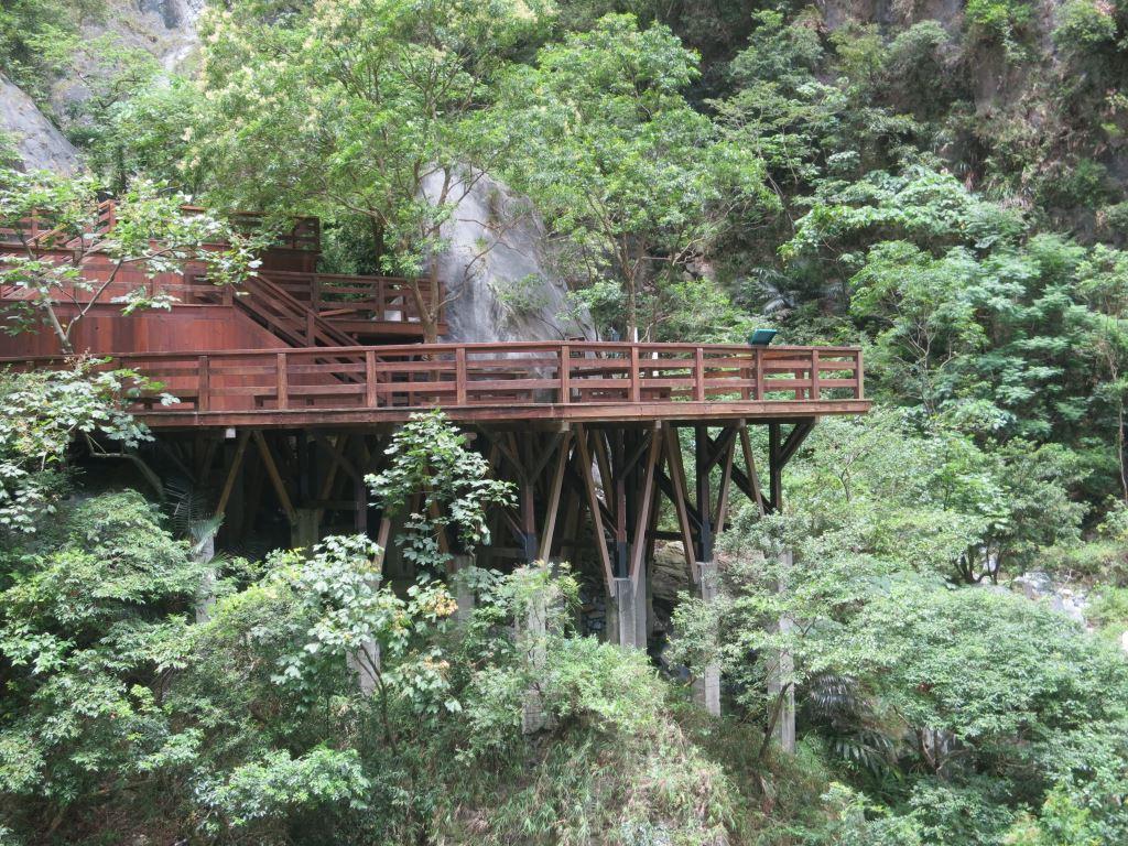 橋西側觀景平台(.jpg)