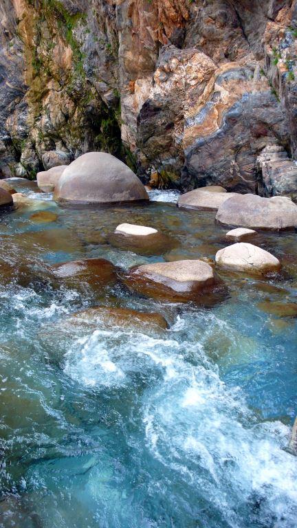 砂卡礑溪谷美景
