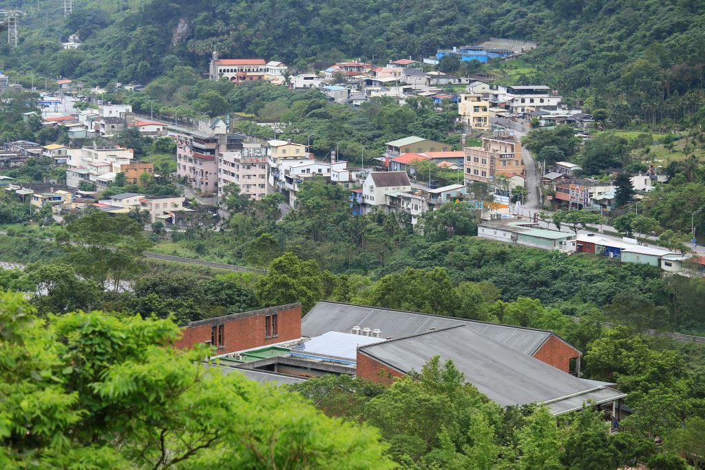 得卡倫步道-俯瞰太魯閣聚落(.jpg)