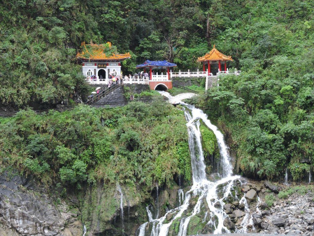 Changchun Shrine Trail (Eternal Springs Shrine)