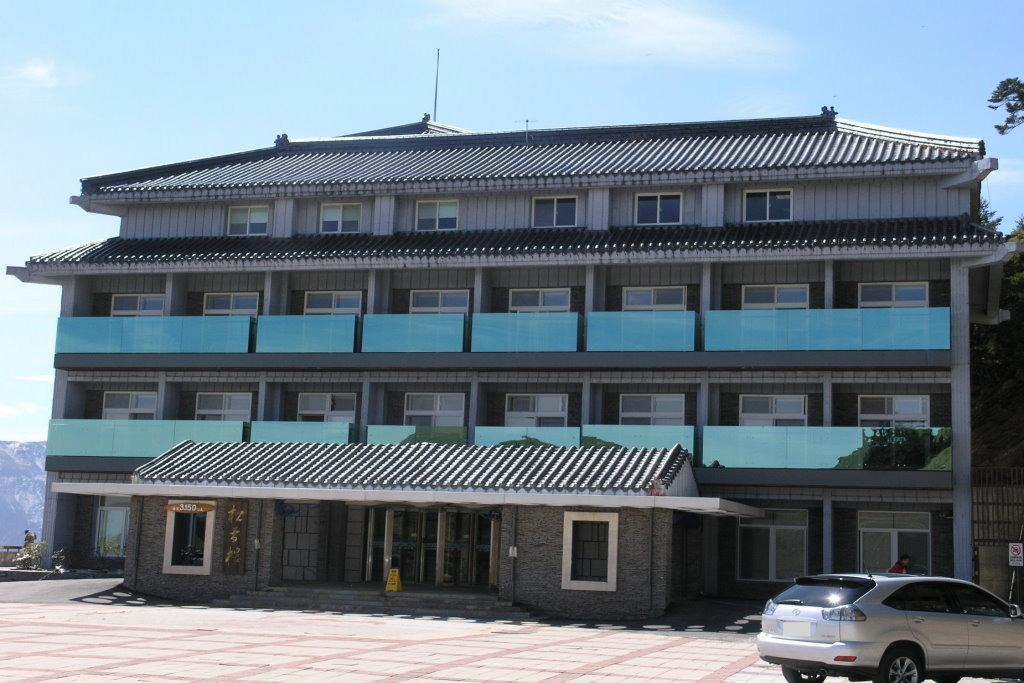 Songxue Lodge at 3150m(.jpg)