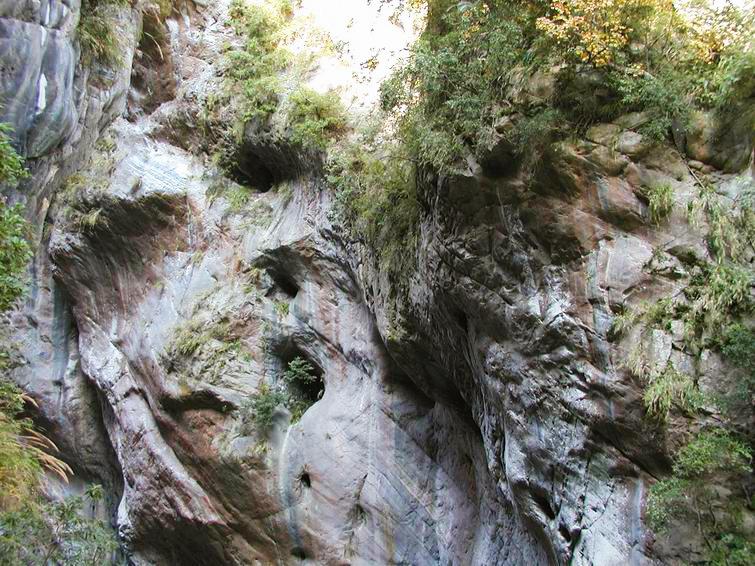 Pot Holes at Swallow Grotto (Yanzikou) Trail (.jpg)