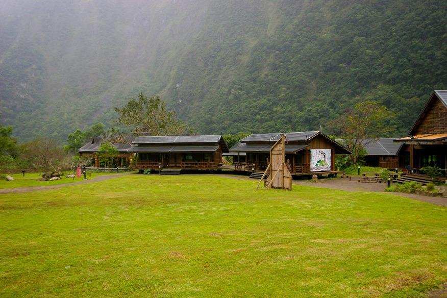 Buluowan Upper Terrace- lodging area(.jpg)