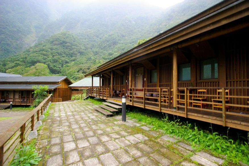 Buluowan Upper Terrace Lodging Area 1 (.jpg)