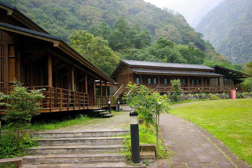 Buluowan Upper Terrace Lodging Area 2 (.jpg)