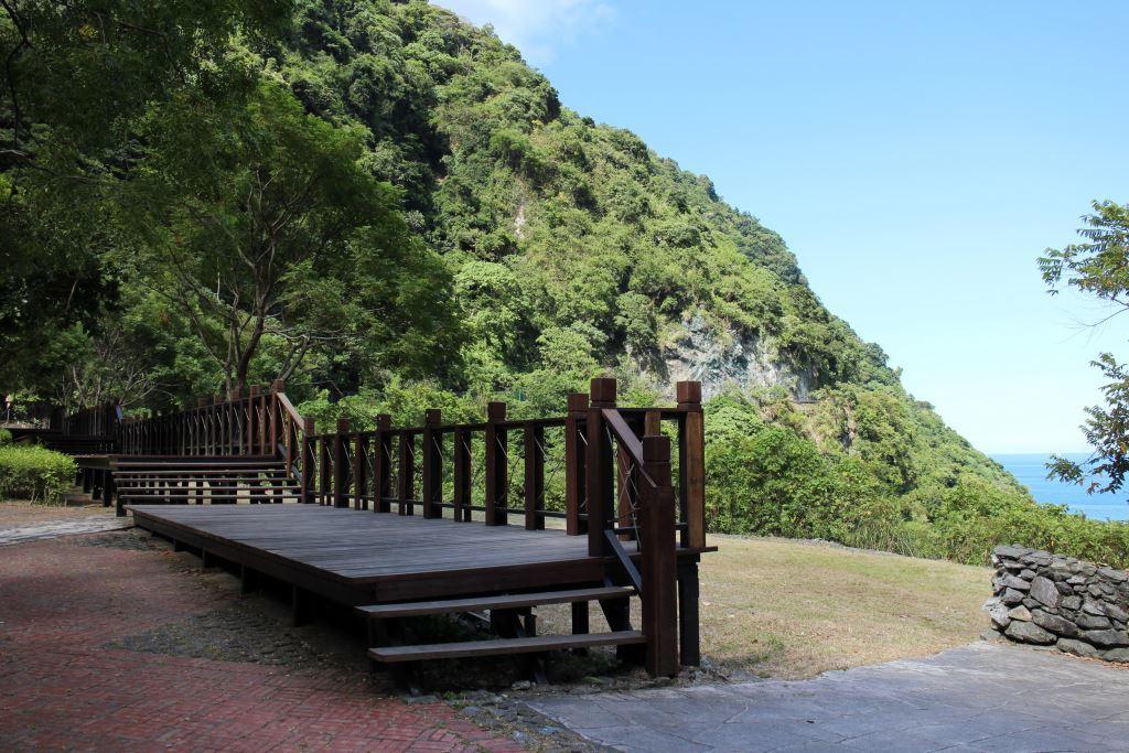 Huide-Viewing Plank Road(.jpg)