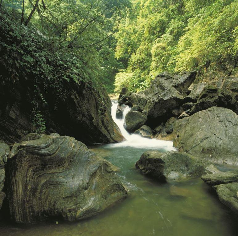 三棧溪谷-水と岩の美しさ(.jpg)