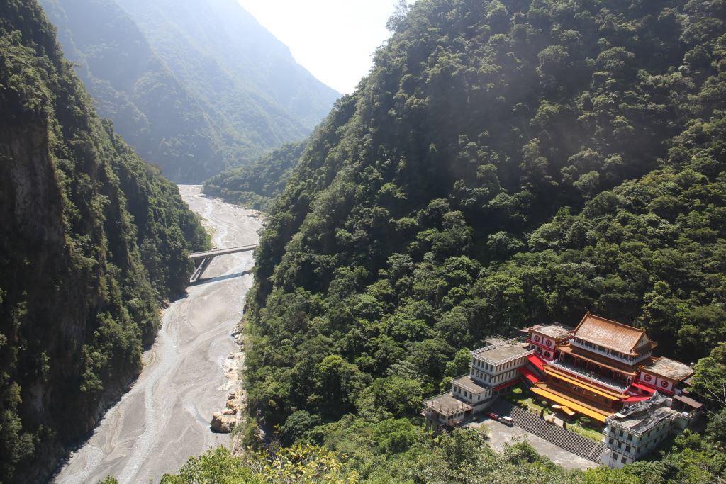 Overlooking Changguan Temple(.jpg)