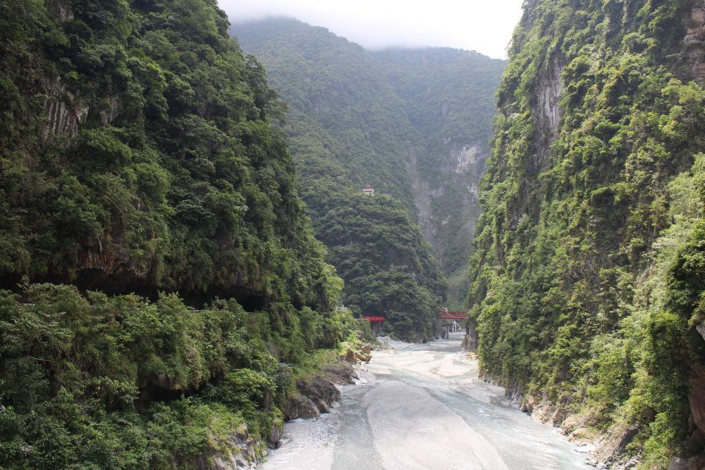 Taroko Gorge- Changchun Bridge Section(.jpg)