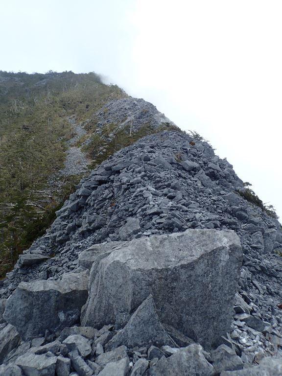 Ridgeline exposed rock of Mt. Qingshui