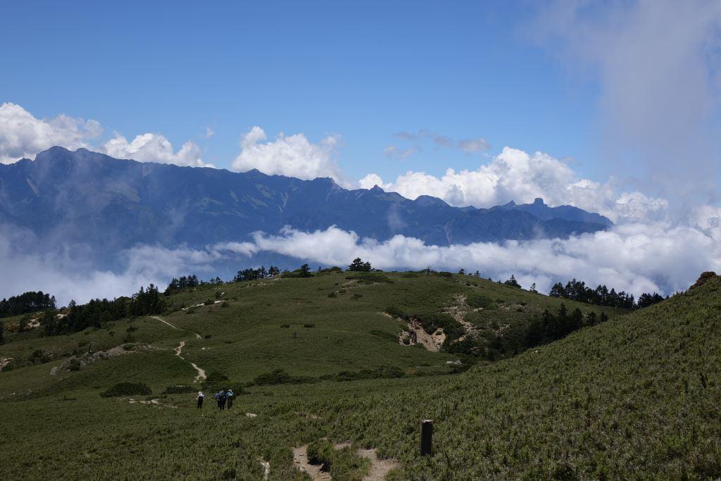 Nanhu Mountain stands tall