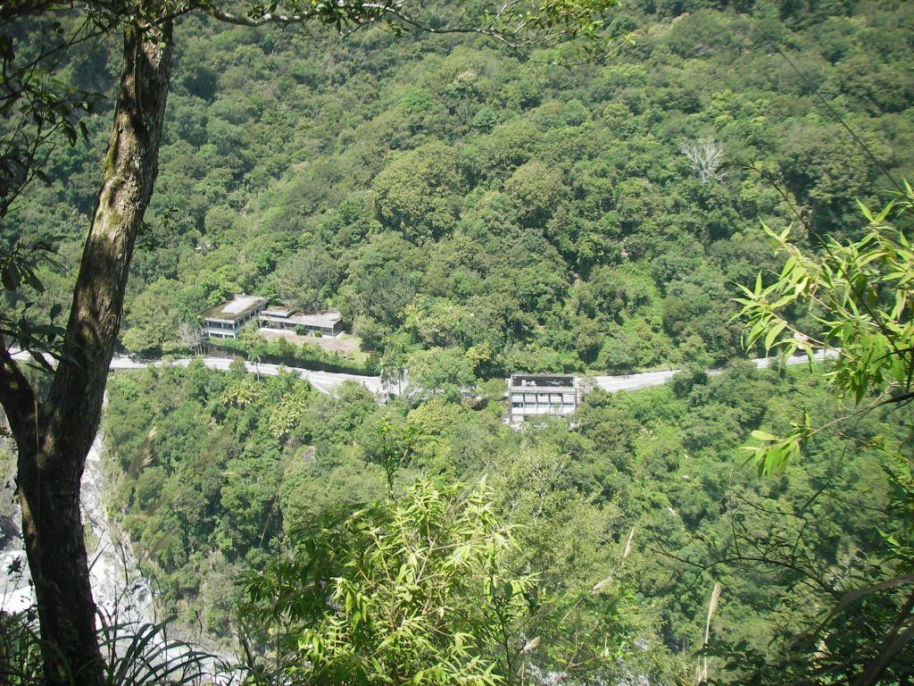Overlooking the Taroko Valley(.jpg)