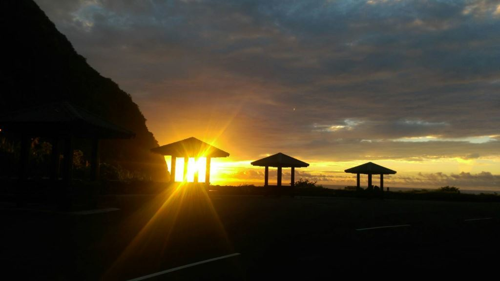Sunrise view of Huide Trail(.jpg)