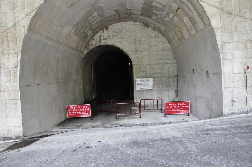 第一站-入口隧道 (.jpg)