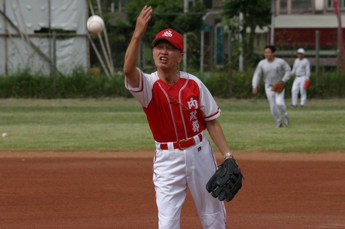開球儀式投手:本局蕭局長輔導