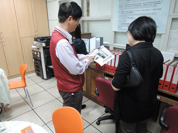 臺中市政府地方稅務局梁主任益明說明檔案管理相關作業
