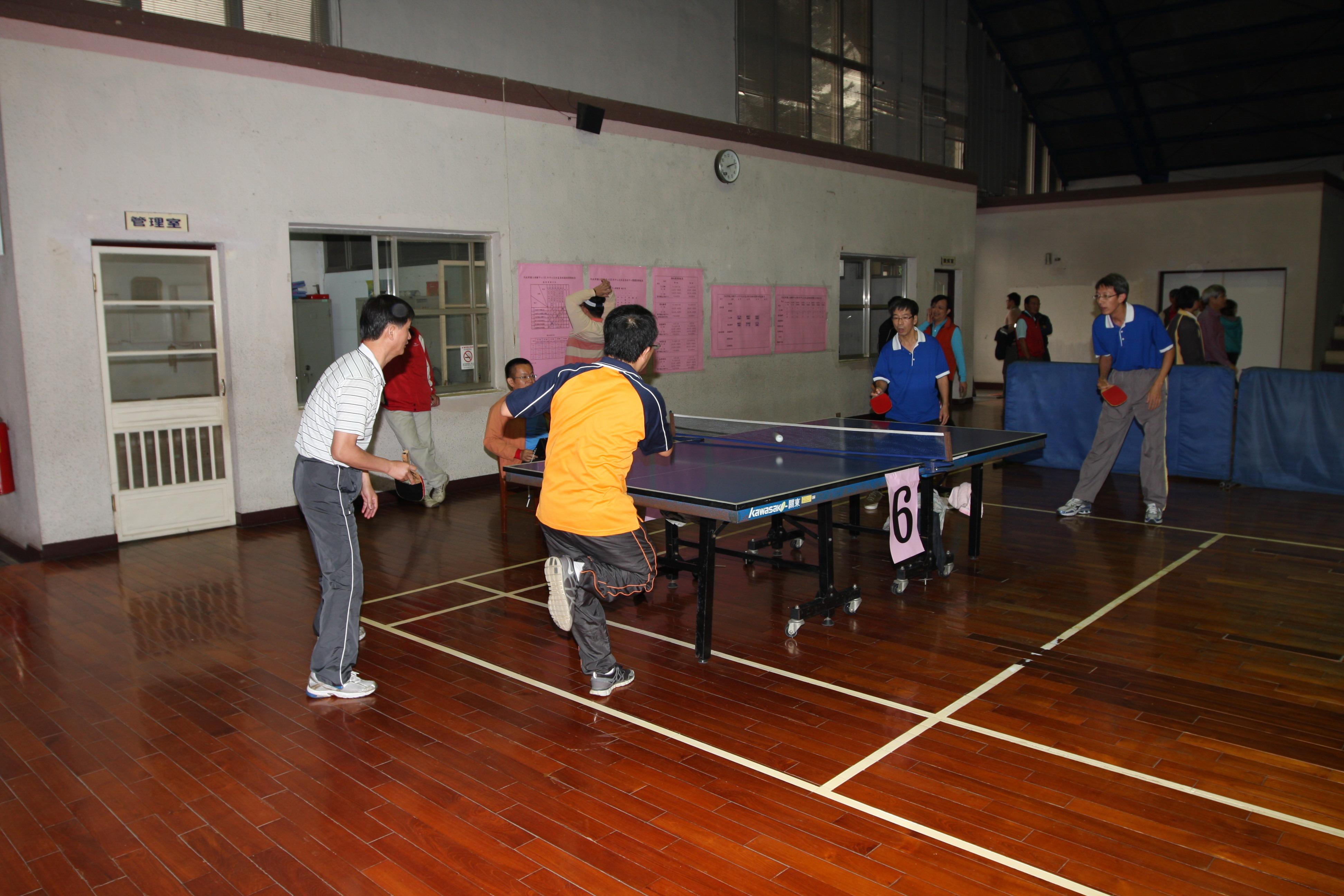 桌球邀請賽(左:內政部土地重劃工程處、右:臺中市政府地政局)